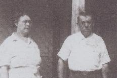 Mollie and Marvin Akins